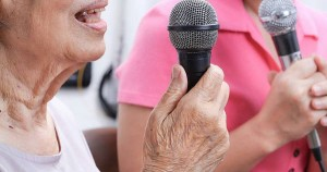 cantar-beneficia-personas-parkinson